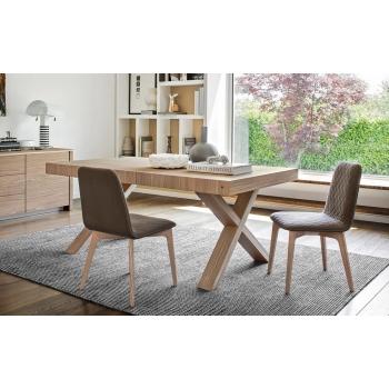 Sedia Sami di Calligaris con gambe in legno massello scocca imbottita