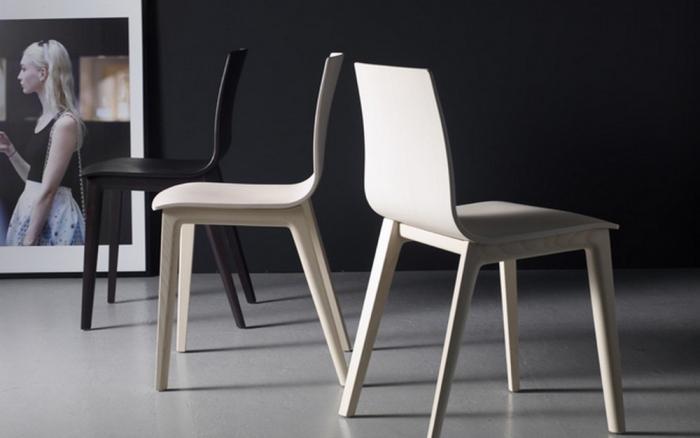 Sedia Smilla di Scab Design con scocca e telaio in legno di faggio