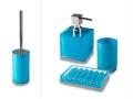 Set da bagno Billy di Cipì in resina poliacrilica trasparente colorata