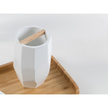 Set da bagno Surface Bamboo di Cipì in resina bianco e legno