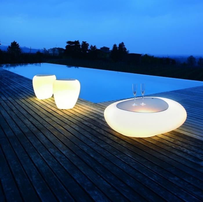 Tavolino Kos di Tonin Casa con vano contenitore e luce