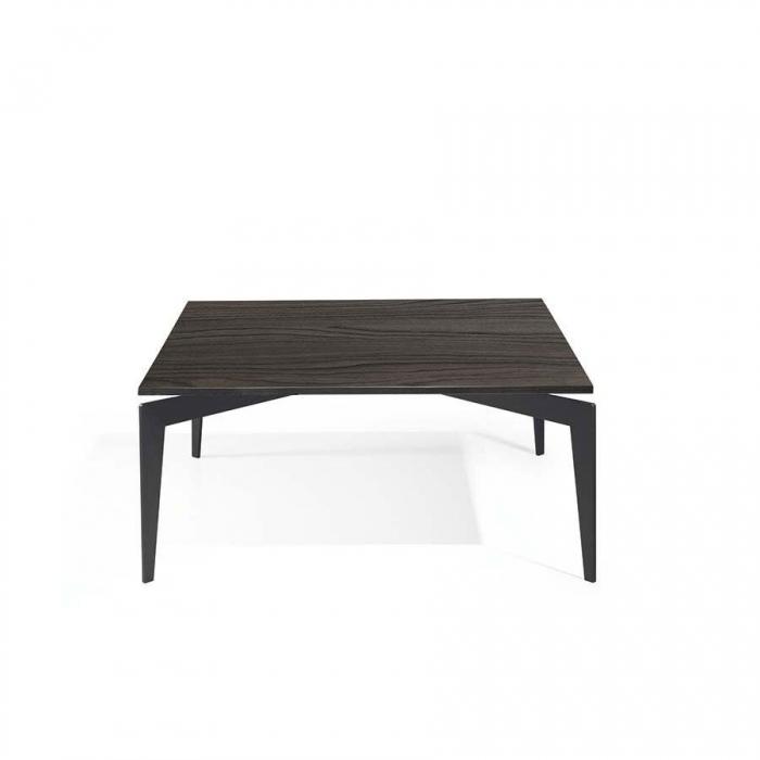 Tavolino Nordic di Pezzani struttura in acciaio Verniciato e piano in laminato