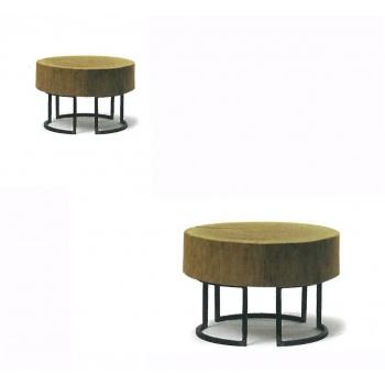 Tavolino realizzato dalla sezione di un Tronco di Altacorte