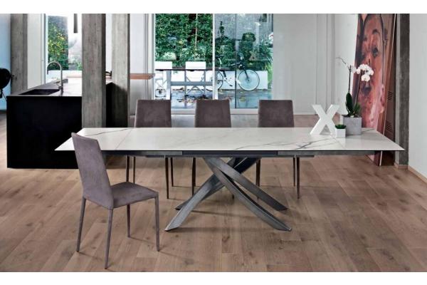 Arredamento pari rimini sedie tavoli divano a letto for Tavolo salone moderno