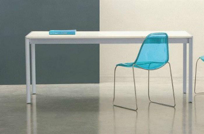 Tavolo allungabile Matrix di Pedrali con piano in laminato