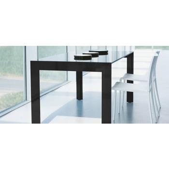 Tavolo allungabile Matrix di Pedrali con piano in vetro
