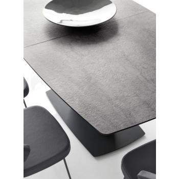 Tavolo Athos di Connubia by Calligaris allungabile con piano in ceramica o vetro