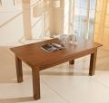 Tavolo dallo stile classico Wood di Benedetti interamente in legno