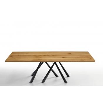 Tavolo Forest di Midj gambe in acciaio e piano in massello o cristalceramica