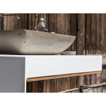 Top Eugenio Sospeso di Cipì in HiMacs LG bianco e profili in legno