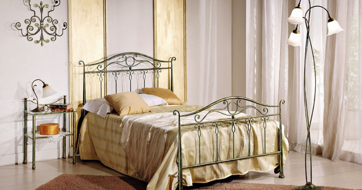 innovative design 1e6aa 702b9 Ivy full-sized bed entirely in wrought iron