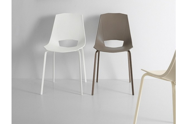 Modern chairs Point House