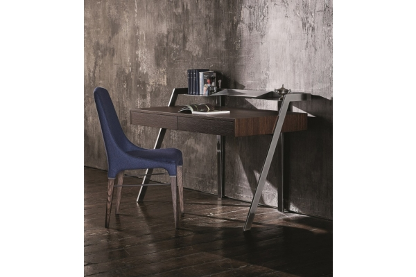 Elegant Bontempi Zac writing desk with wooden top and steel structure