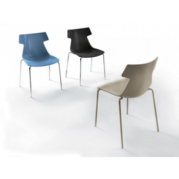 Giulia stacking chair by Ingenia Bontempi
