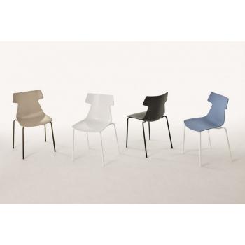 Giulia stacking chair by Ingenia Bontempi