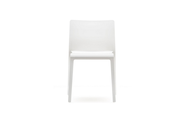 Stackable polypropylene chair Volt 670 by Pedrali