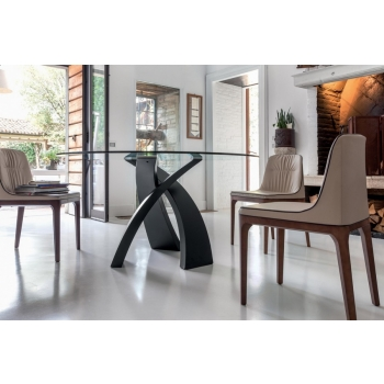 Toni Casa Elisha's Table stands out for its elegance
