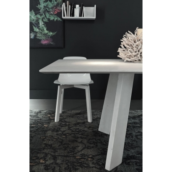 Fixed table of Altacorte Barcelona