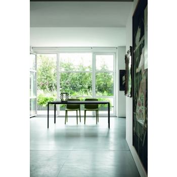 Tonin Light Table House suitable for those who love minimal perfection