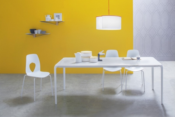 Extendable table Light by Tonin Casa with aluminum laminate top legs