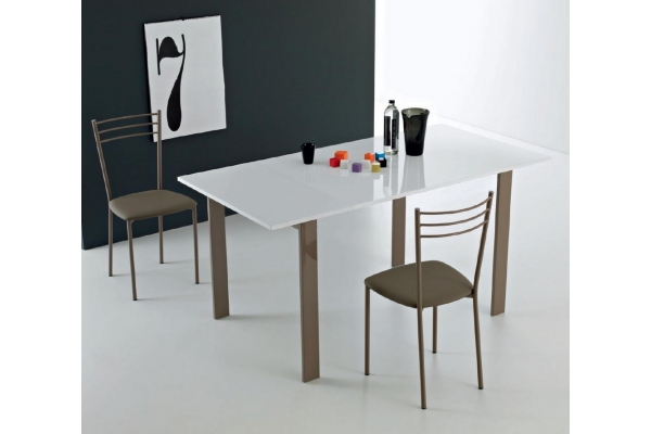 Simple extendable Point House table