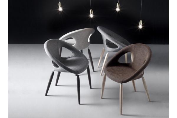 Naturel Goutte Pop Scab Design Chaise avec pieds en bois