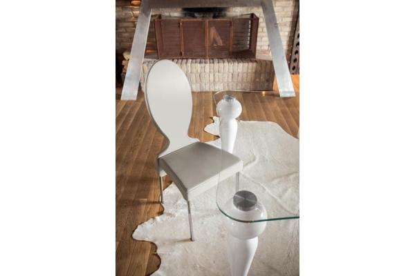 Vivienne Tonin Casa Chaise avec sellerie cuir en cuir ou en tissu