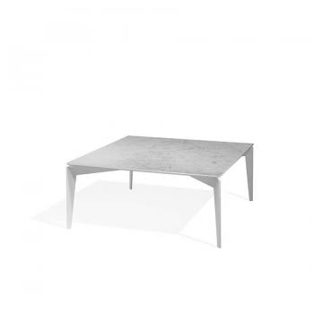 Table basse nordique de Pezzani Structure en acier peint et plateau en marbre
