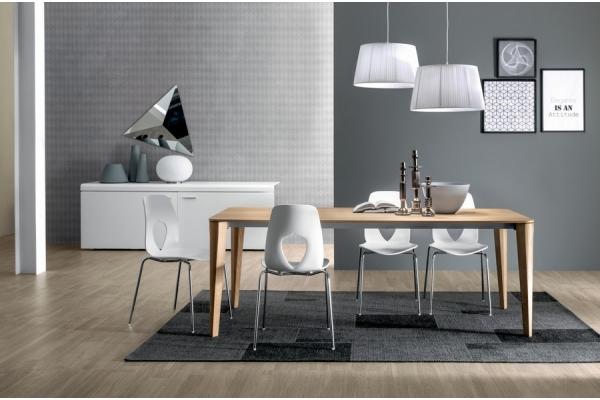 Table extensible Daphne Tonin avec cadre en bois et le plancher