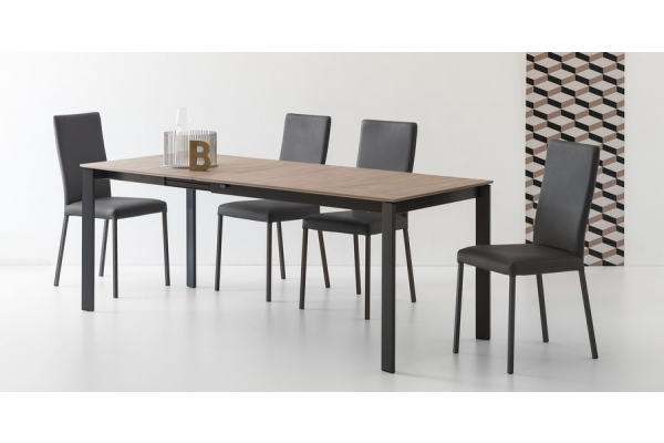 Table extensible Excellence de Connubia by Calligaris avec plateau en mélamine et structure en acier